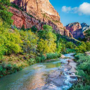 Zion National Park is truly one of the most gorgeous parks in the United States. Zion Canyon's