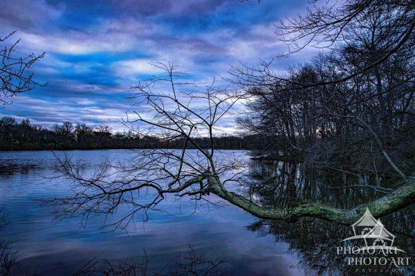 Image of the first sunset of 2020 at Hempstead Lake State Park.