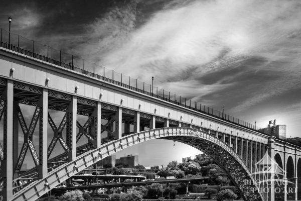Bridge crossing the east river in New York City